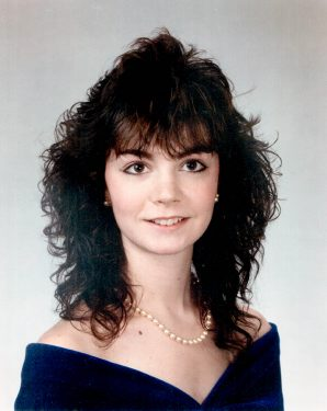 Pi Beta Phi Portrait, 1988